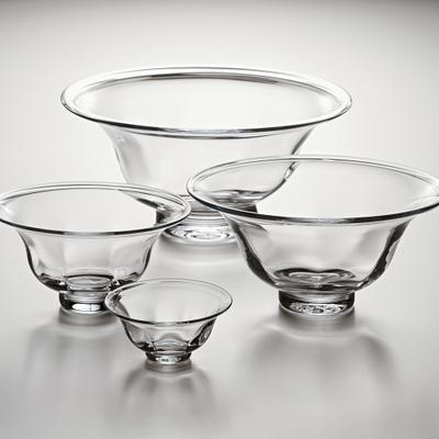 Shelburne Bowl L collection with 1 products