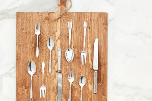 $38.00 5 Piece Place Setting