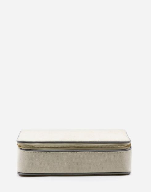 No. 47 The Jewelry Case Pebble collection with 1 products