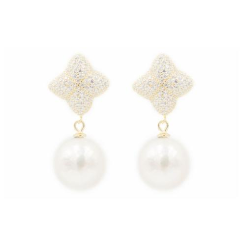 Earrings collection with 12 products