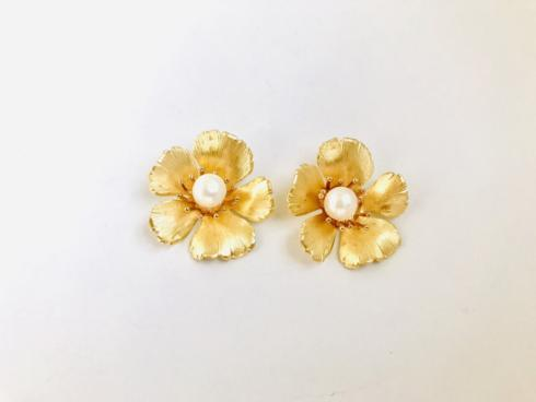 Small Golden Flower Stud with Pearl collection with 1 products