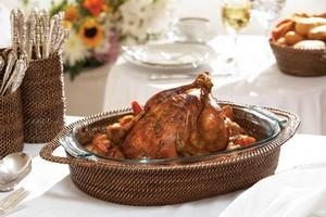 Calaisio   Oval HLDR w/2QT Pyrex Roaster $112.00