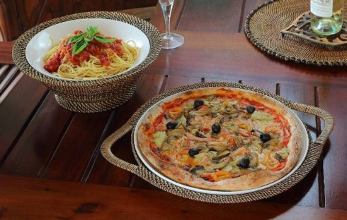 Pizza Tart Plate collection with 1 products