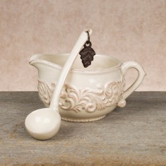 Acanthus Sauce Boat w/Ladle collection with 1 products