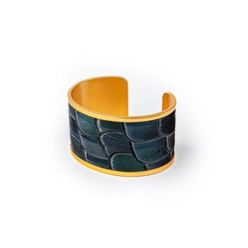 Sue Wide Cuff collection with 1 products