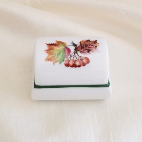 $135.00 Covered Box Leaves with Berries