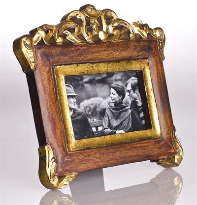 $75.00 Vendome Frame, Mahogany Finish