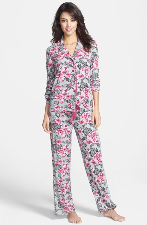 Pajamas collection with 1 products