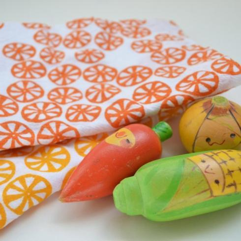 Hollyhocks Exclusives   Kei & Molly Flour Sack Dish Towel ~ Orange Citrus $13.95