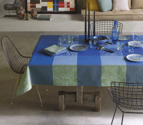Fleurs de Kyoto Tablecloth - Indigo 69x69 collection with 1 products