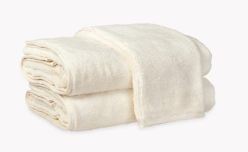 $11.00 Wash Cloth - Ivory