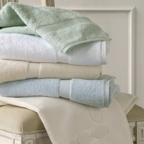Matouk  Guesthouse Bath Towel - White $33.00