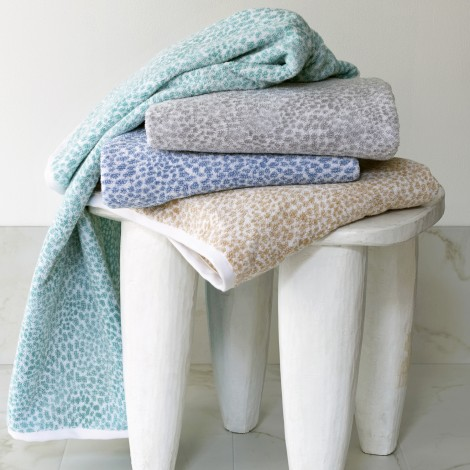 Matouk  Nikita Hand Towel - Champagne $18.00