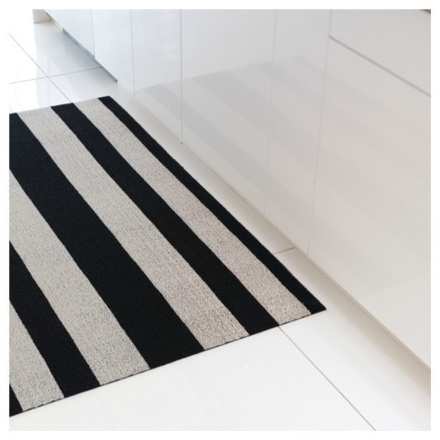 $76.00 Bold Stripe Black/White Shag Floor Mat 24 x 36