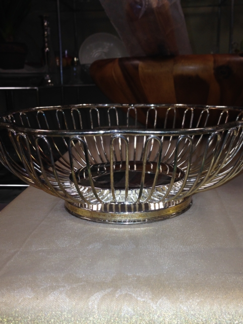 Joanne's Exclusives   Elegence Silver Bread Basket $35.00