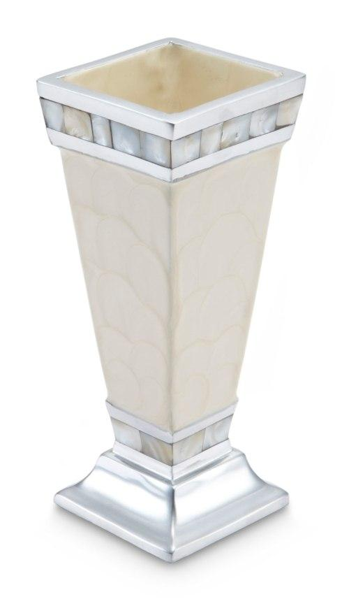 Vase collection with 3 products