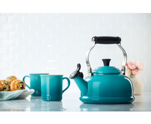 Classic Tea Kettle, 1.8 Qt collection with 1 products
