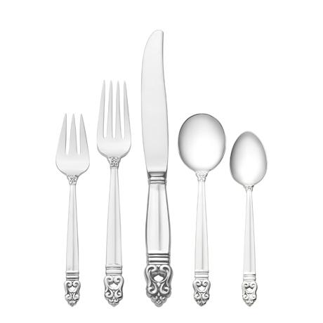 66 Piece Set, Dinner Size with Cream Soup Spoon. Service for 12