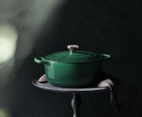 $435.00 9qt Round Dutch Oven, Artichaut