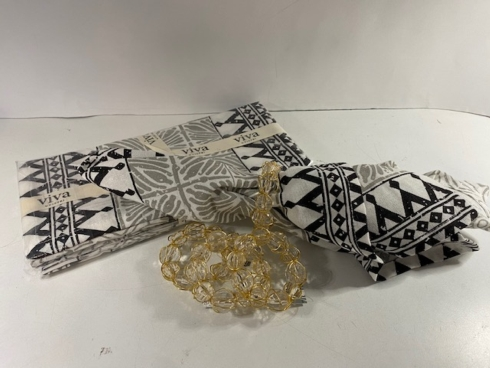 Simple Elegance Exclusives   BOHEMIAN NAPKINS S/4 $36.00