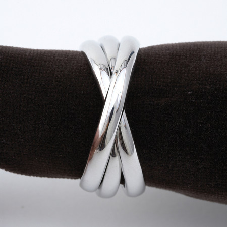THREE RING NAPKIN RING PLATINUM collection with 1 products