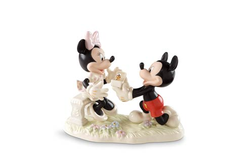 $139.95 Minnie\'s Dream Proposal Figurine