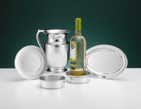 Pewter Pitcher Polished collection with 1 products