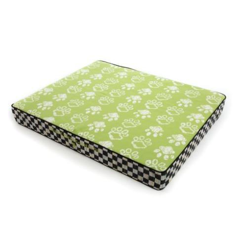 $178.00 Bow Wow Pet Bed - Green - Medium