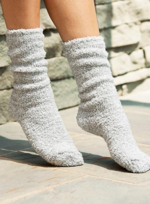 $15.00 COZYCHIC HEATHERED WOMEN\'S SOCKS/BLUE  WATER & WHITE