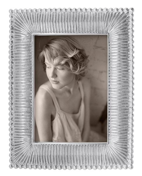 Mariposa  Decorative Frames Classic Fanned 4X6 Frame $51.80