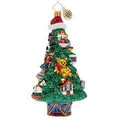 A Toy-Trimmed Tree collection with 1 products