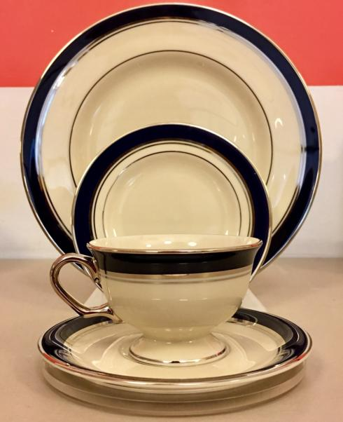 $287.00 Pickard ~ 4 Piece Place Setting / Lincoln Collection