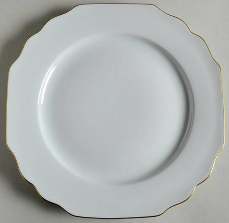 Pickard Gold Georgian Monogrammed Dinner Plate collection with 1 products