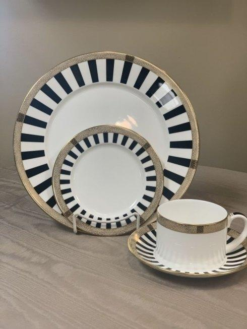 Pieces of Eight Exclusives   Satori Black 4 Piece Place Setting $277.00