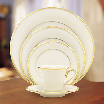 Pieces of Eight Exclusives   Eternal Ivory by Lenox five piece place setting $100.15