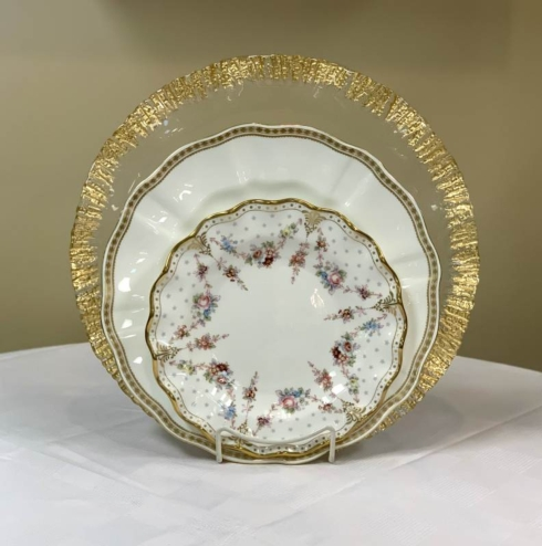 Pieces of Eight Exclusives   Carlton Gold w/ Royal Antoinette by Royal Crown Derby 3 piece place setting $364.00