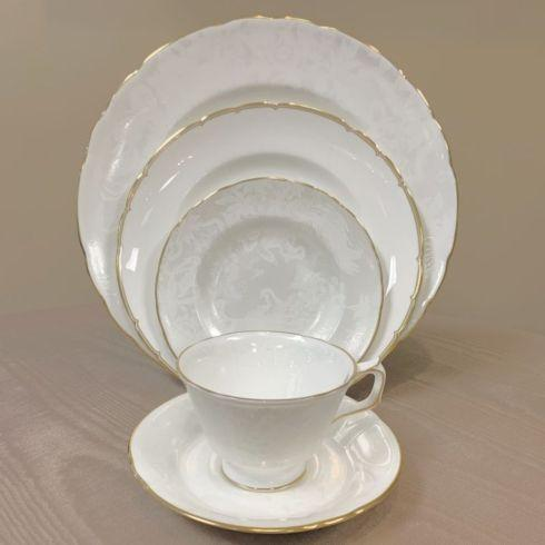 Aves Pearl with Chelsea Duet 5 Piece Place Setting collection with 1 products