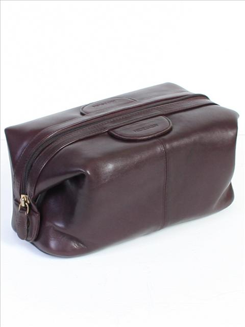 Leather Dopp Kit-Brown collection with 1 products