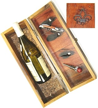 $15.00 Boat Wood Wine Box w/ Crokscrew&Stopper