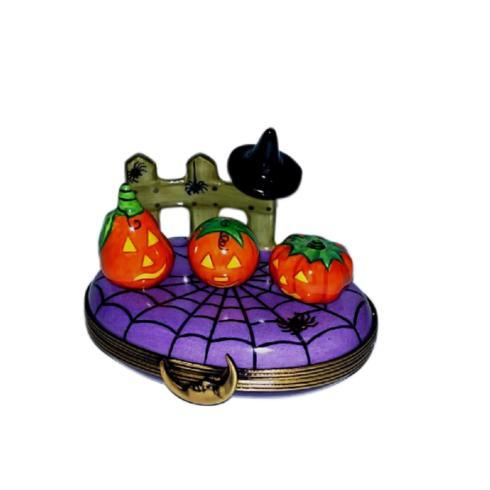 $269.00 Pumpkin Scene with Witch\'s Hat