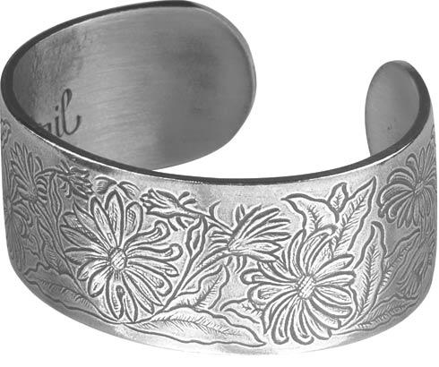 $23.00 Bracelet, April/Daisy