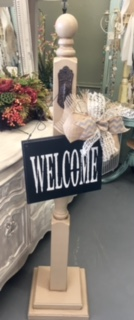 Special Moments Exclusives   Welcome post with sign $89.95