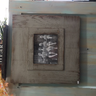$49.95 Picture frame-distressed