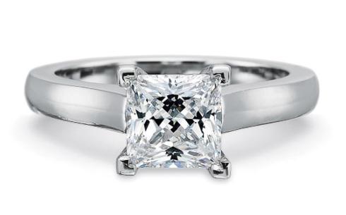FlushFit™ 2.75MM Solitaire Engagement Ring fpr Princess cut center