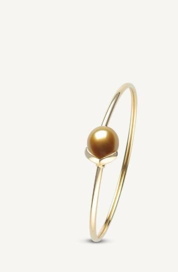 $1,930.00 Les Classiques Golden Pearl Bracelet