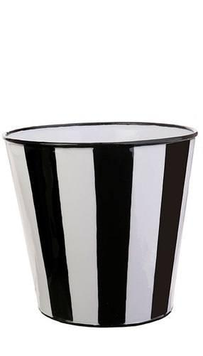 BLACK AND WHITE BUCKET LG
