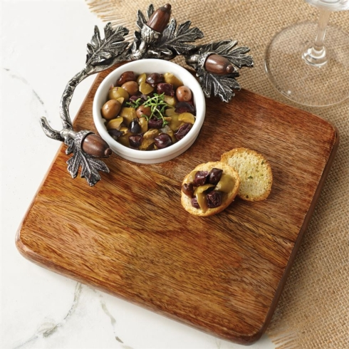 $42.50 ACORN CUTTING BOARD & DIP SET