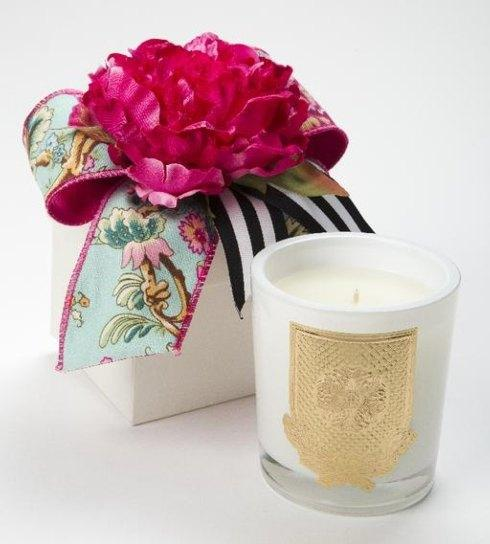 Della Robbia Flower Box 8oz. Candle collection with 1 products