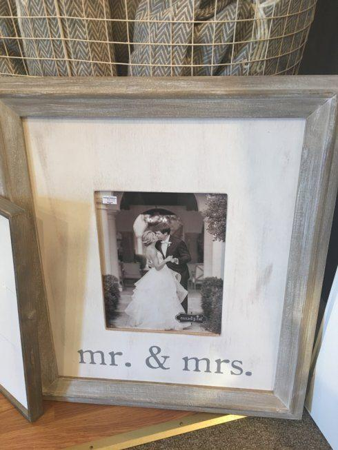 Southern Traditions Exclusives   Mr. and Mrs. Frame $57.99
