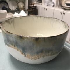 Mixing Bowl Lg Magnolia collection with 1 products